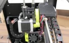 一款中端3D打印机,和一般打印机有点不一样